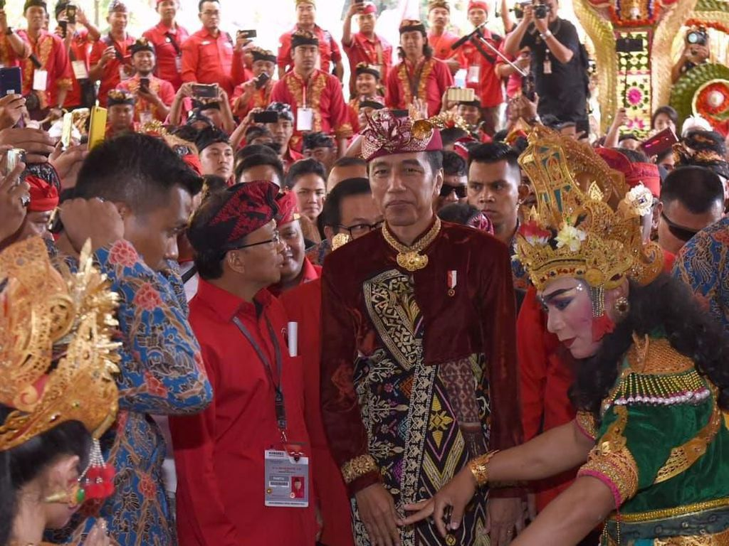 Mega dan Jokowi Bicara Kursi Menteri, Apa Kabar Wacana Zaken Kabinet?