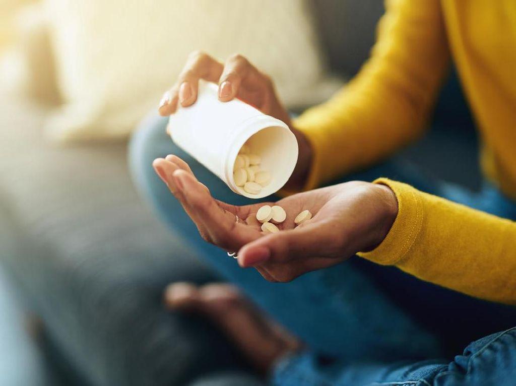Jangan Konsumsi Makanan dan Minuman Ini Setelah Minum Obat