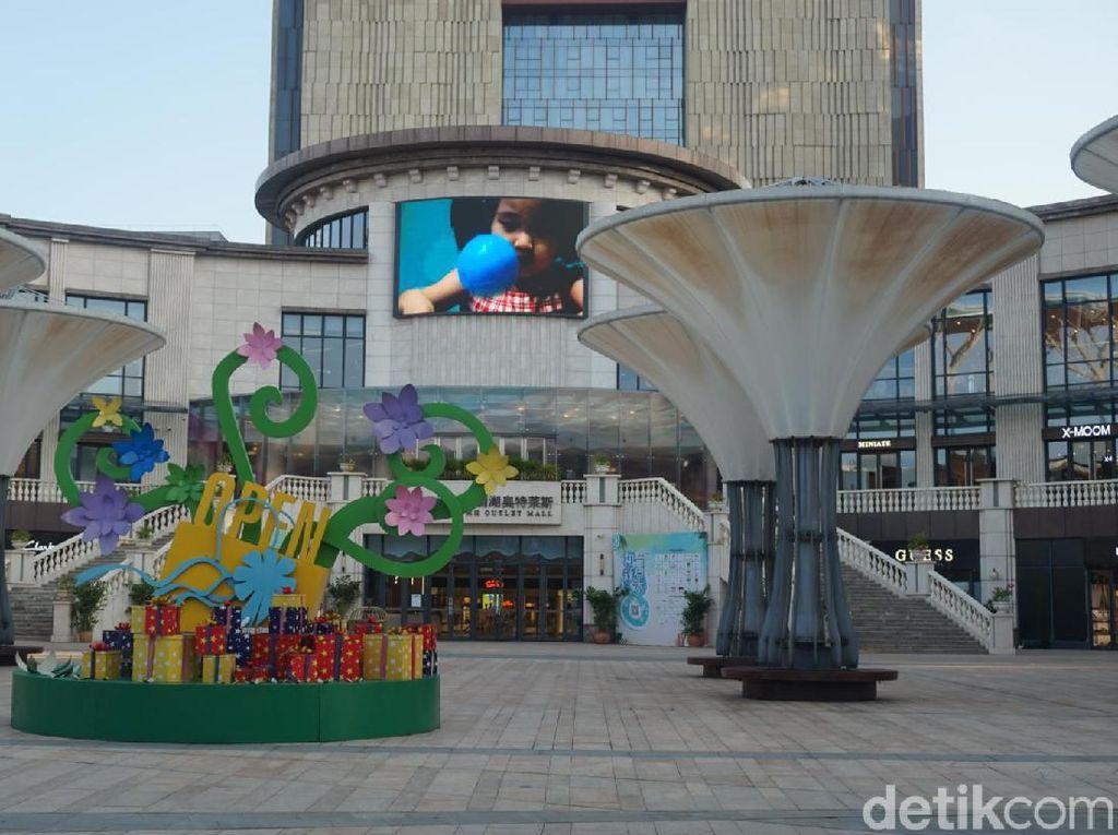 Foto: Factory Outlet Buat Si Gila Belanja di Hainan, China