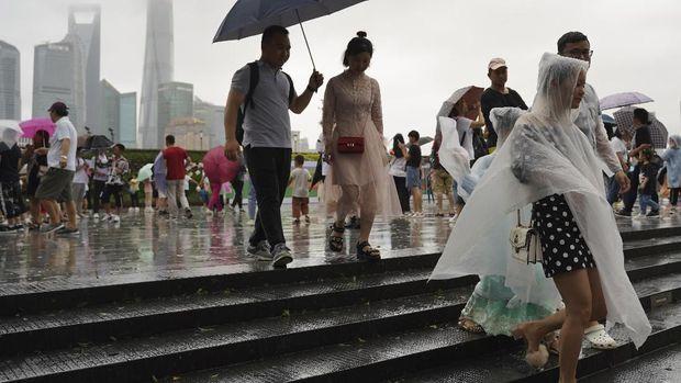Topan Lekima Terjang China, 13 Orang Tewas dan 1 Juta Dievakuasi