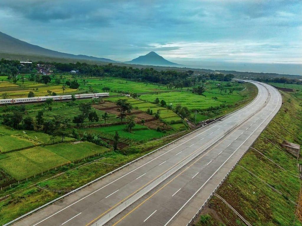 Target Ambisius Jokowi, Panjang Tol RI di 2024 Capai 5.200 Km