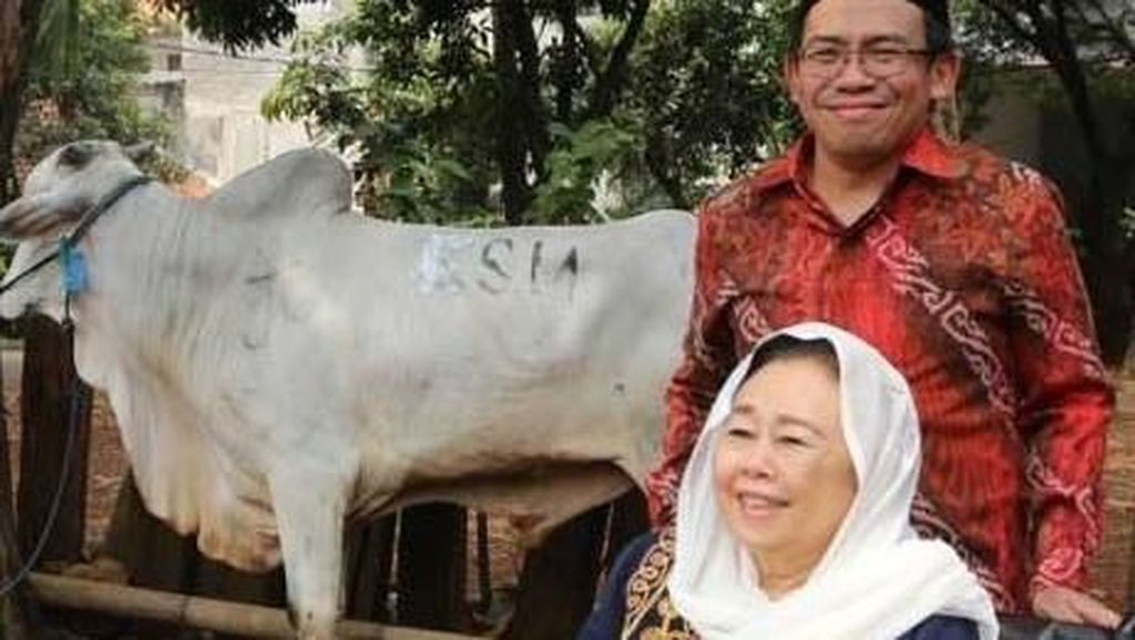 Penyerahan Hewan Kurban ke Sejumlah Masjid di Jakarta