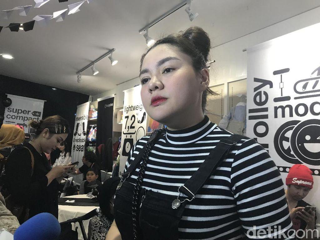 Vicky Shu Semangati Adiknya yang Dokter Gigi karena Tolong Pasien OTG