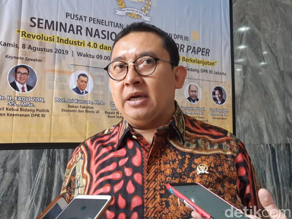 Jokowi Sentil Kunker ke LN, Fadli Zon: Kalau DPR Adanya Diplomasi Parlemen