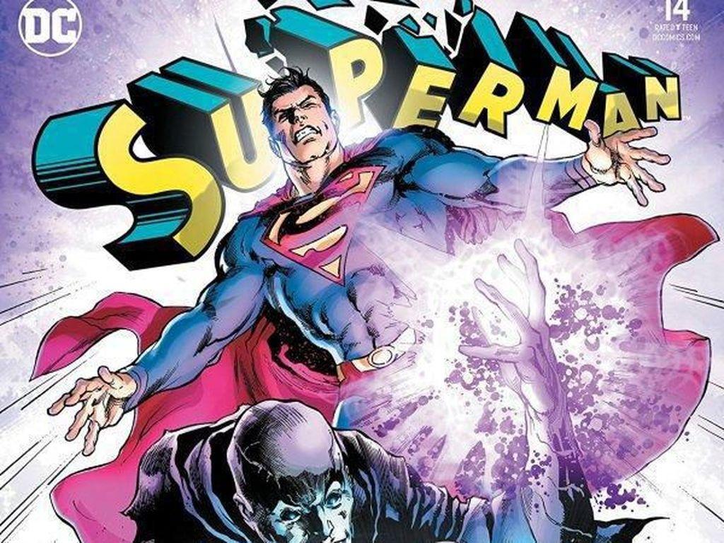 DC Minta Pengecer Hancurkan Komik Superman dan Supergirl