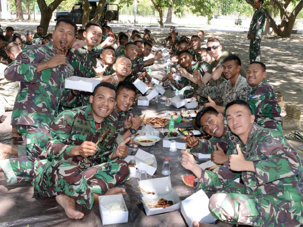 Marinir Indonesia Kenalkan Tradisi Idul Adha ke Tentara Amerika