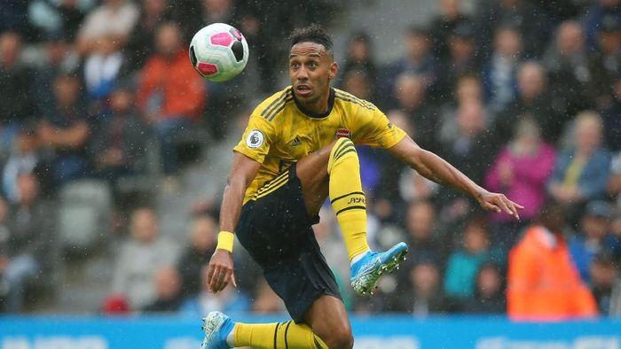 Pierre-Emerick Aubameyang mencetak enam gol di enam pekan pertama Liga Inggris. (Foto: Alex Livesey/Getty Images)