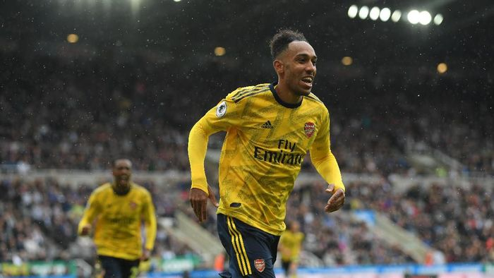 Pierre-Emerick Aubameyang membawa Arsenal menang di markas Newcastle United. (Foto: Stu Forster/Getty Images)