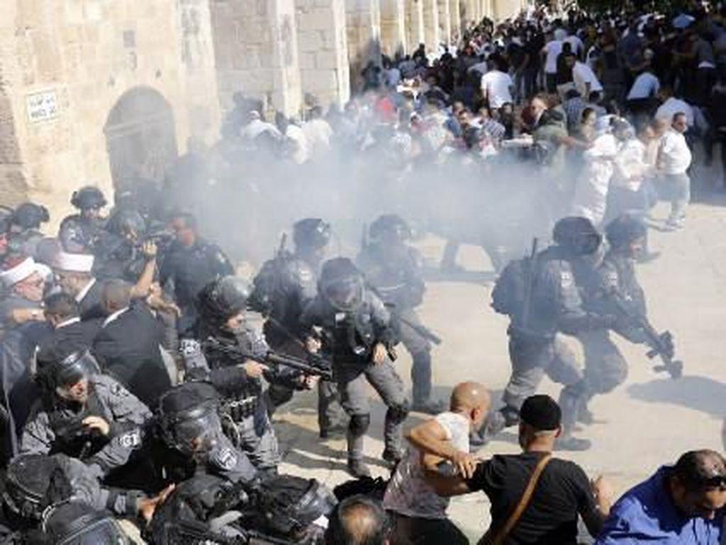 Israel Tetap Buka Akses Yahudi, Bentrok Pecah saat Idul Adha di Al Aqsa