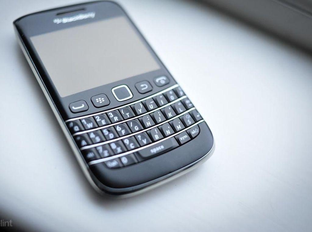 Seluk Beluk Ponsel BlackBerry Bangkit Lagi, Siap Beli?