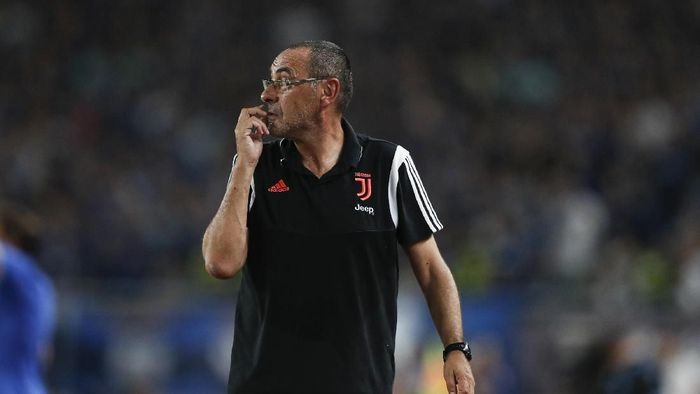 Pelatih Maurizio Sarri akan mendampingi Juventus saat melawan Fiorentina, akhr pekan ini. (Foto: Fred Lee/Getty Images)