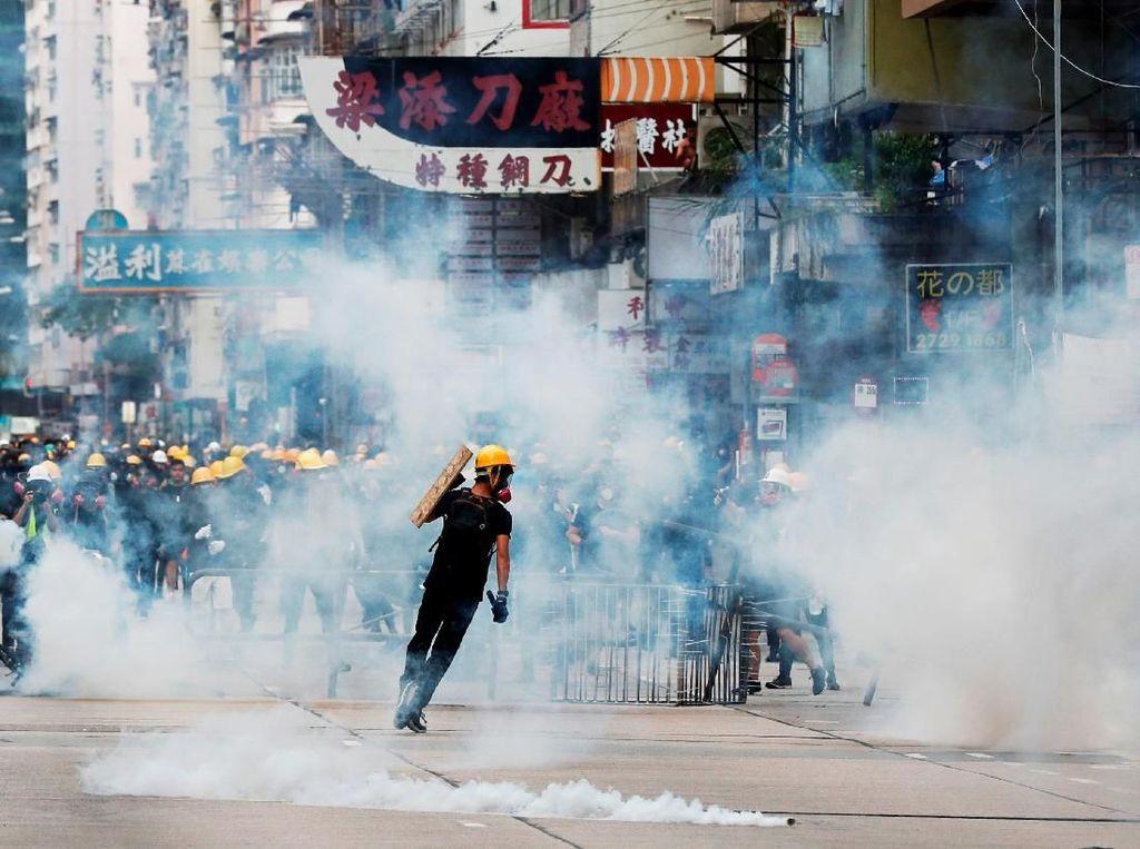 China Sebut Aksi Rusuh Demonstran Hong Kong sebagai Terorisme