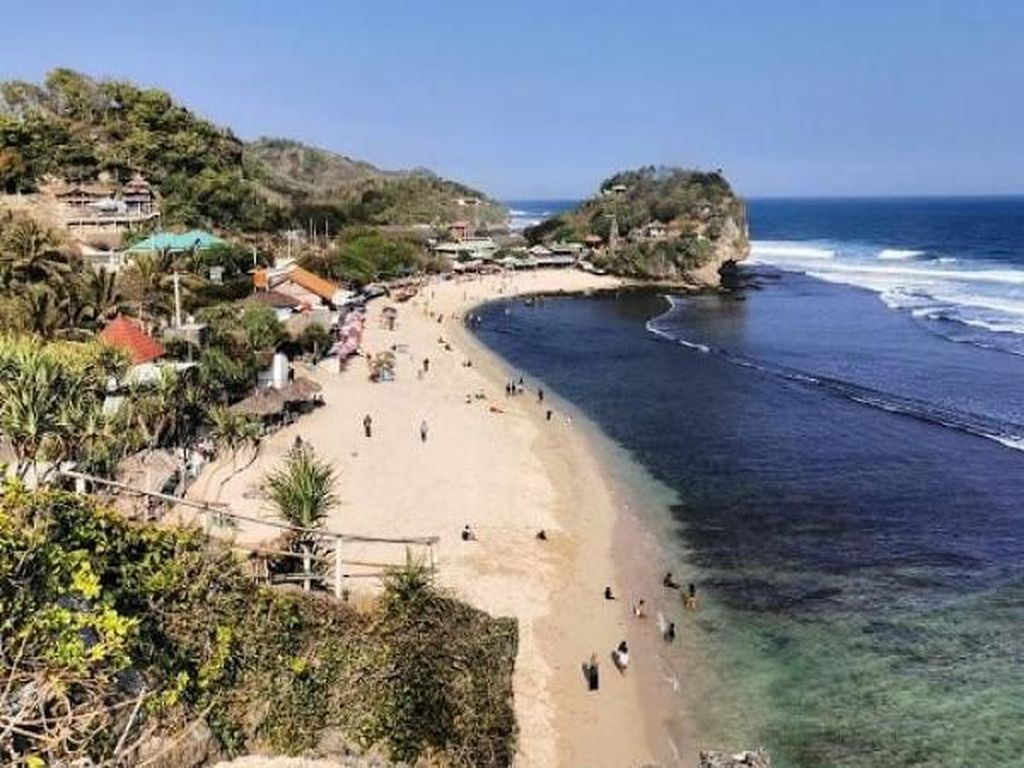 Pantai Indrayanti, Primadona Wisata di Gunungkidul