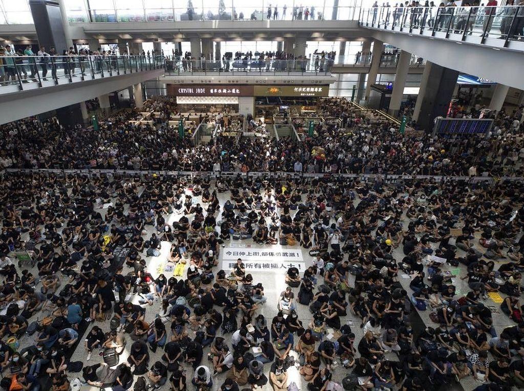 Ribuan Demonstran Duduki Bandara, Ini Imbauan untuk WNI di Hong Kong