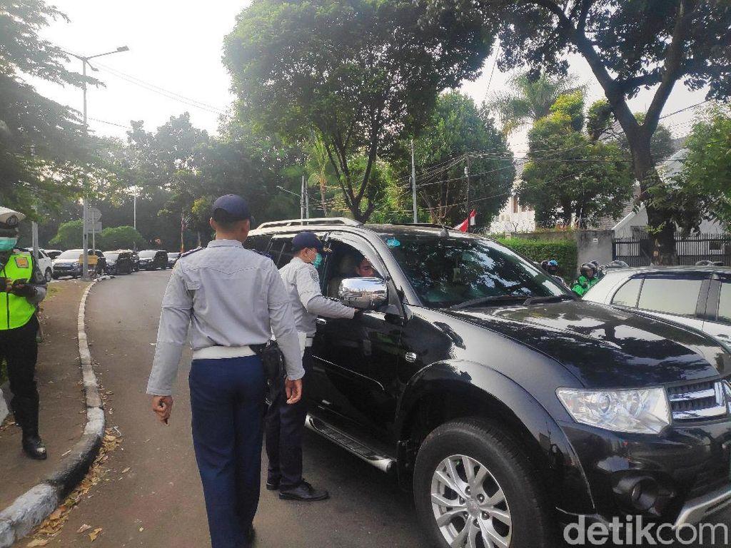 Dishub DKI Sosialisasi Ganjil Genap di Bundaran Senayan
