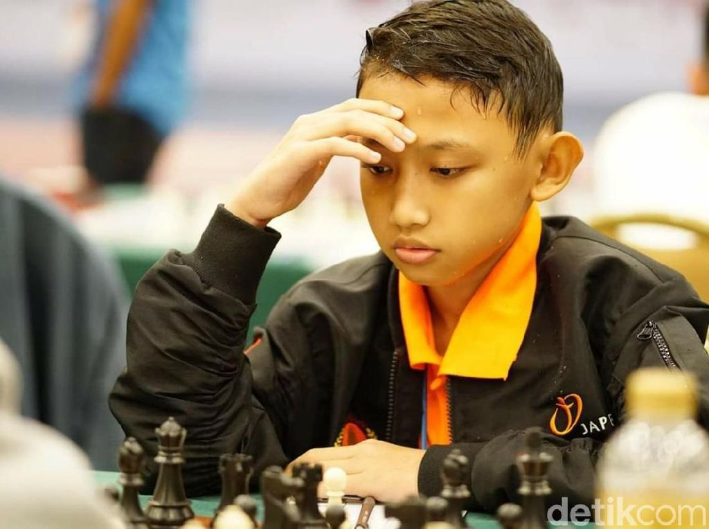 Dua Pelajar Kota Malang Raih Emas dari Kejuaraan Catur Asia