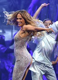 Jennifer Lopez dikala menggelar konser di Las Vegas, AS, Juni lalu. (Foto: Ethan Miller/Getty Images for ABA)