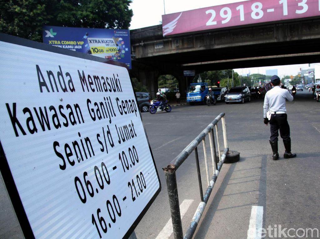 Tanda Taksi Online Dikaji, Ganjil Genap Bisa Dilewati