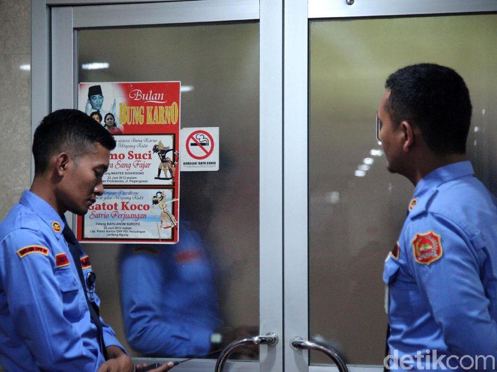 Ruang Kerja Nyoman Dhamantra di DPR Digeledah KPK