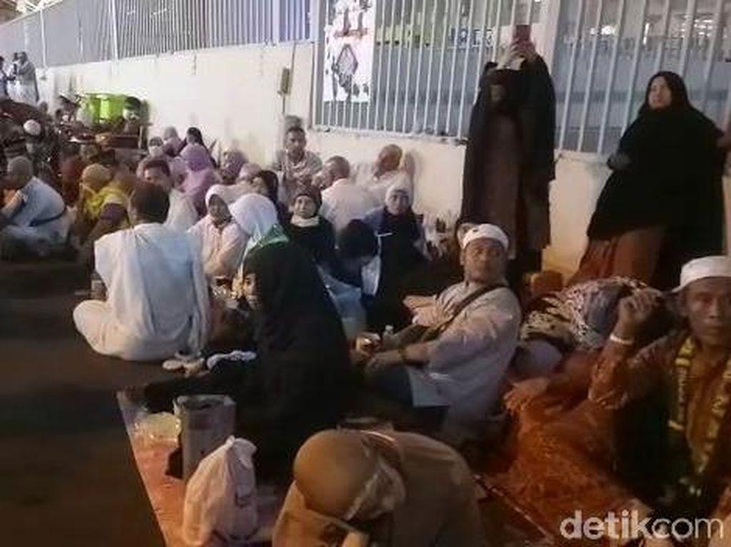 Video Perjuangan Jemaah Haji Mabit di Mina