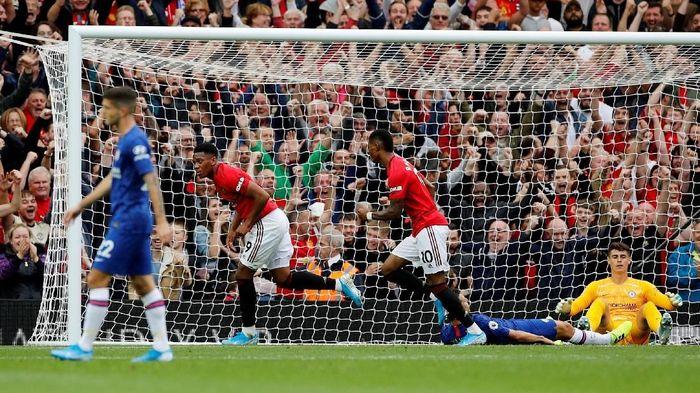 Manchester United disebut membutuhkan waktu lebih untuk kembali ke papan atas Liga Inggris. (Foto: Phil Noble/Reuters)