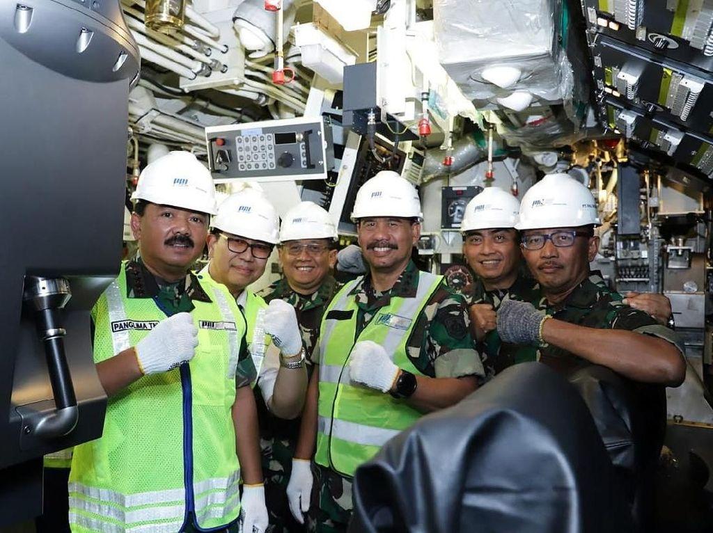 Panglima TNI Tinjau Kapal Selam Pertama Buatan Indonesia