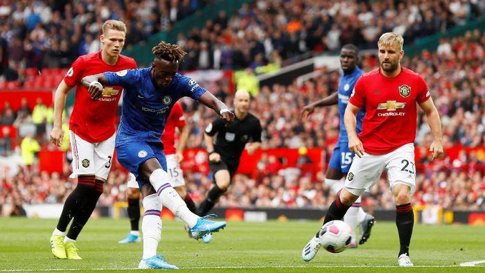 Keputusan Chelsea memainkan Tammy Abraham sebagai starter di laga lawan MU dikritik Jose Mourinho. (Foto: Jason Cairnduff/Action Images via Reuters)