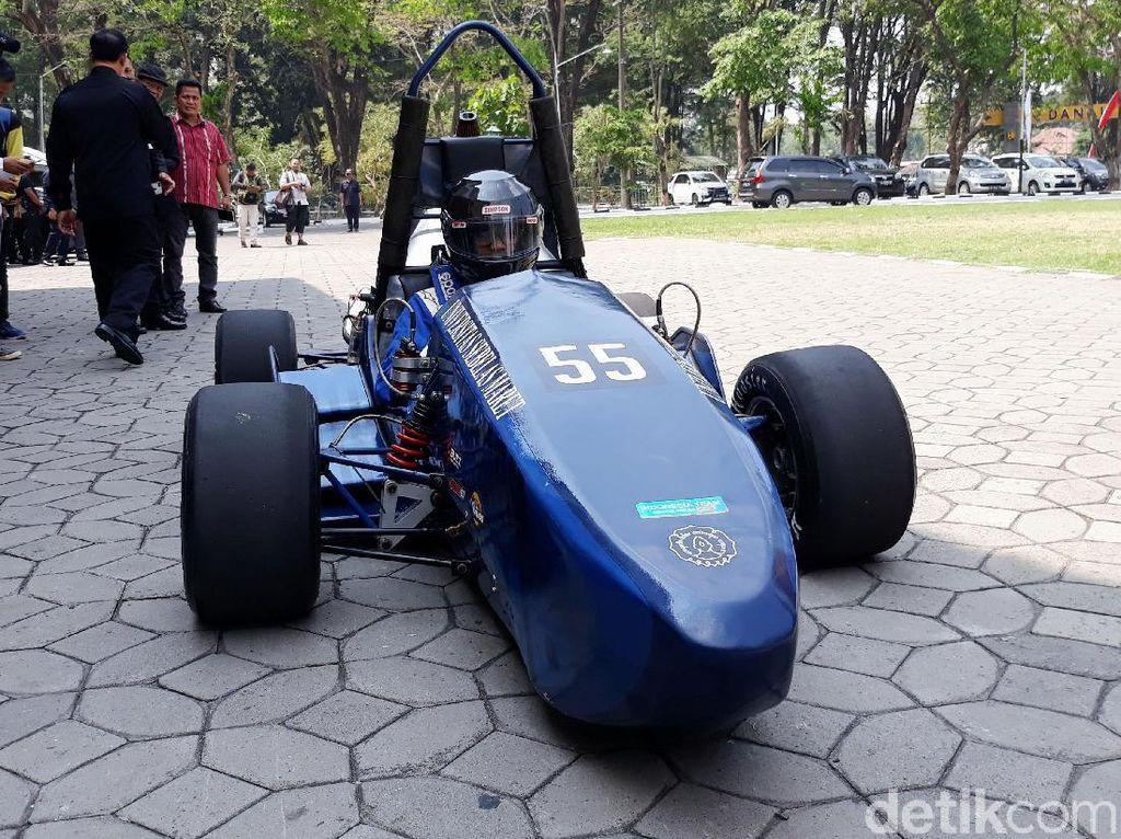 Mobil Balap Mahasiswa Siap Berlaga di Jepang