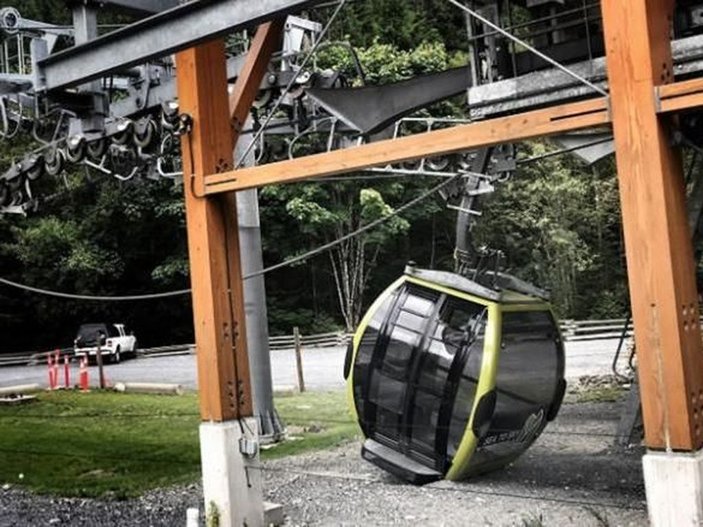 Duh! Kabel Sengaja Diputus, 30 Kereta Gantung di Kanada Jatuh