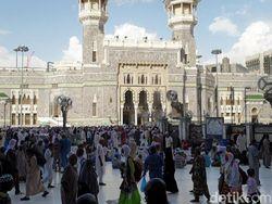 Kumpulan Doa Umroh: Doa Masuk Masjidil Haram Lengkap dengan Artinya