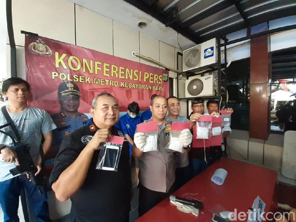Polisi Tangkap 3 Kurir Sabu Jaringan Lapas di Kebayoran