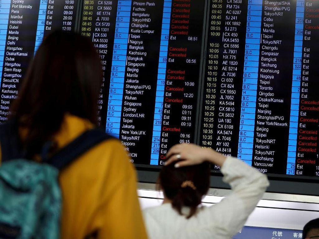 200 Penerbangan di Hong Kong Dibatalkan Imbas Demo