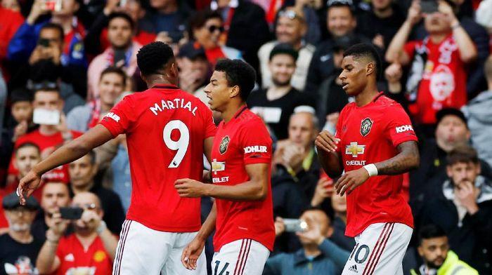 Marcus Rashford dan Jesse Lingard, dua pemain Inggris yang jadi starter di Manchester United. (Foto: Phil Noble/Reuters)