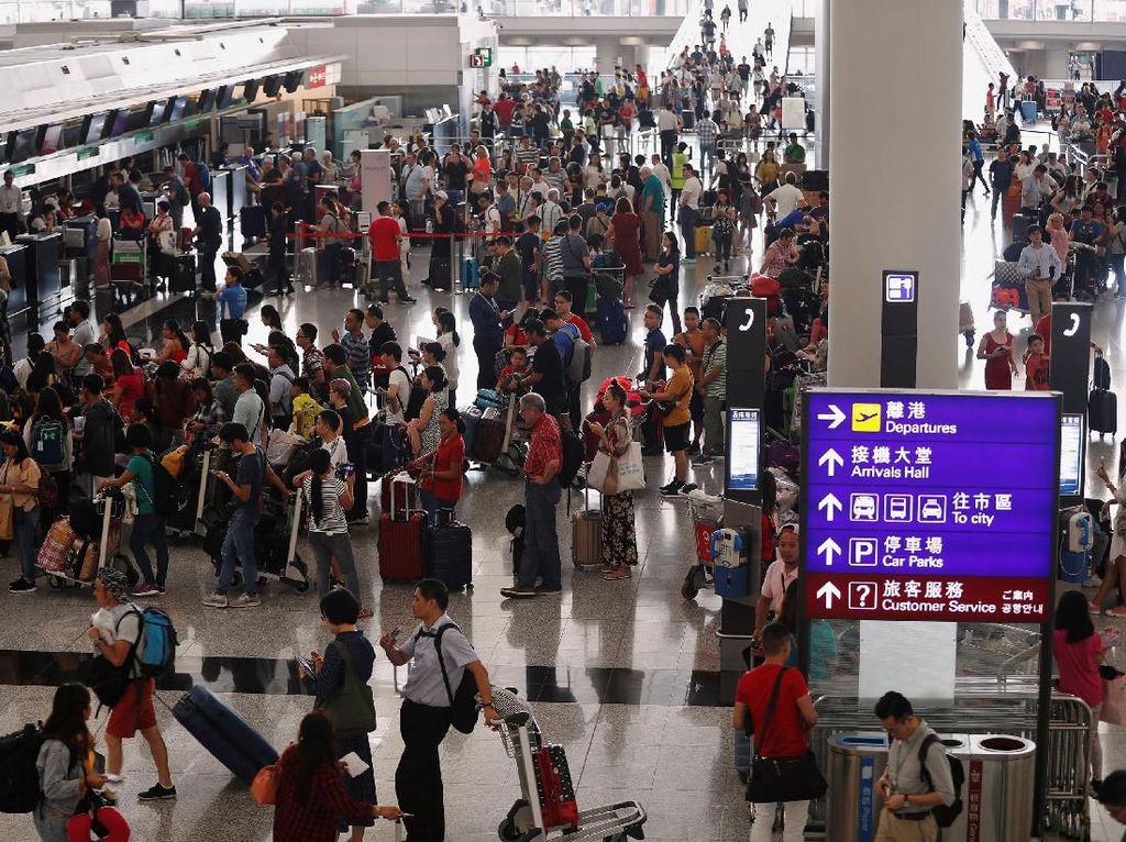 Sempat Lumpuh, Bandara Hong Kong Kembali Beroperasi