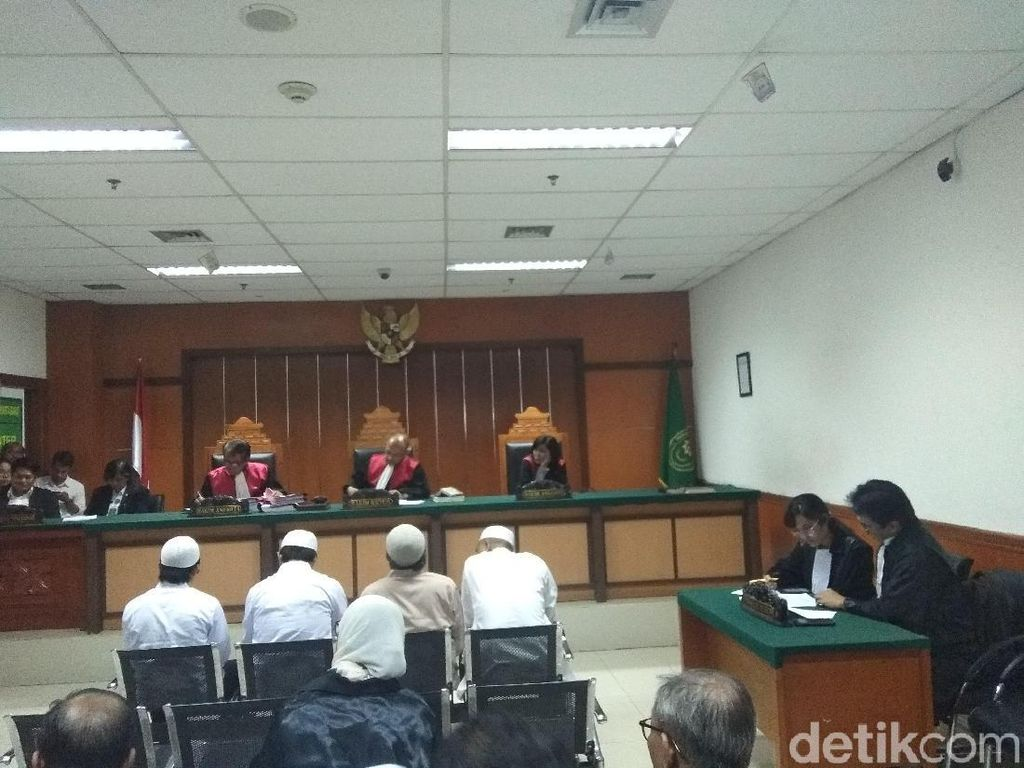 Rusuh 22 Mei, 5 Orang Didakwa Rusak dan Bakar Mobil di Asrama Brimob