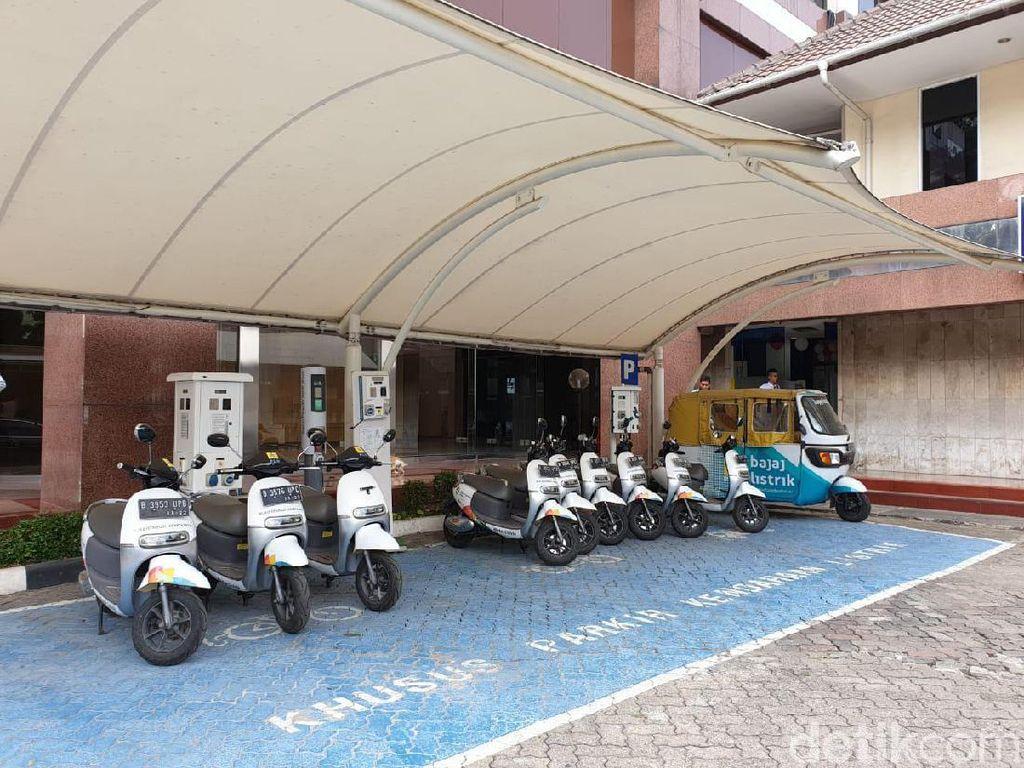 Gratis Ngecas Kendaraan Listrik di Kantor PLN Sampai Akhir Tahun