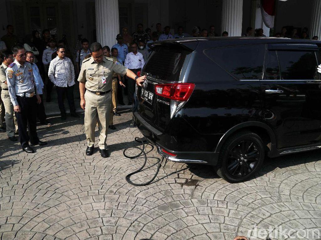 Mobil Tak Lulus Uji Emisi di Jakarta Bakal Bayar Parkir Mahal