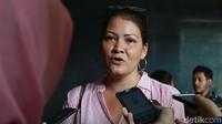 Tumornya Pecah, Melanie Subono Harus Jalani Operasi