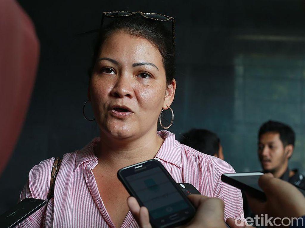 40 Orang di Bandara Soetta Positif Corona, Ini Kata Melanie Subono
