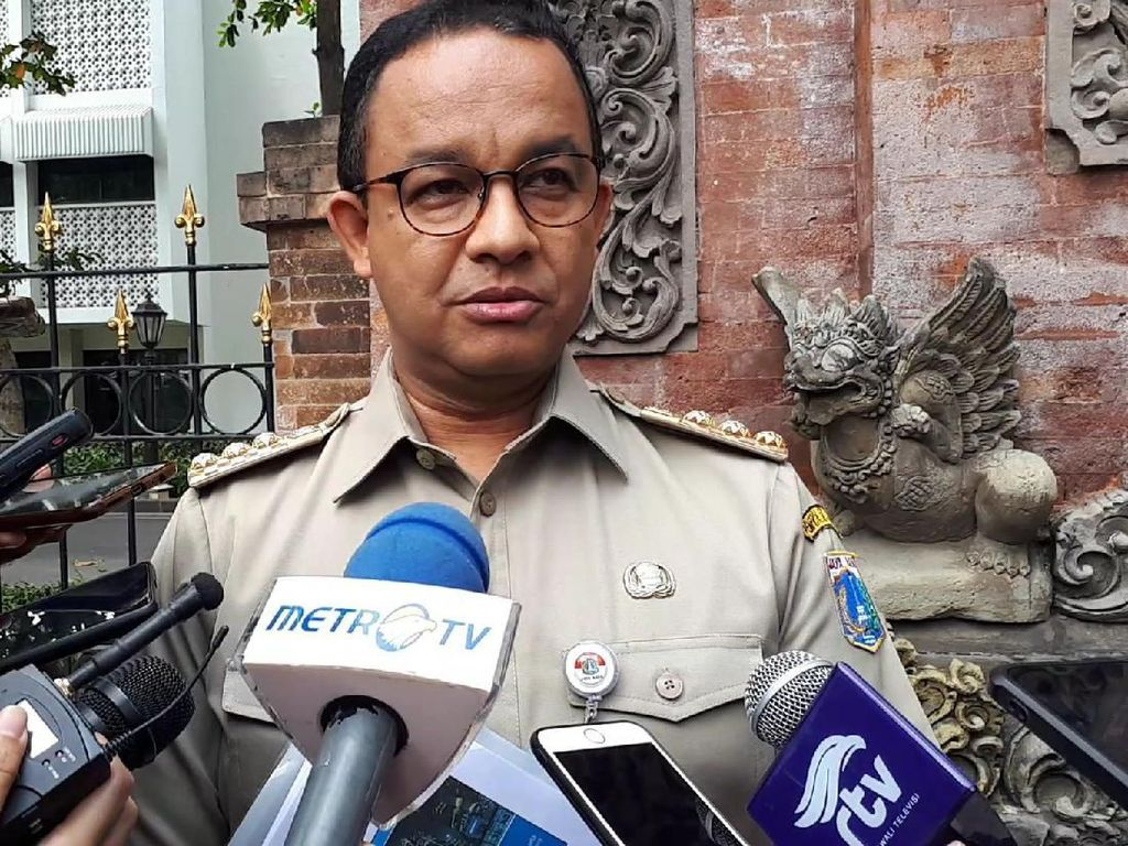 Satgas Riau Tak Perlu Bantuan DKI, Anies: Kami Bersyukur Kalau Api Selesai