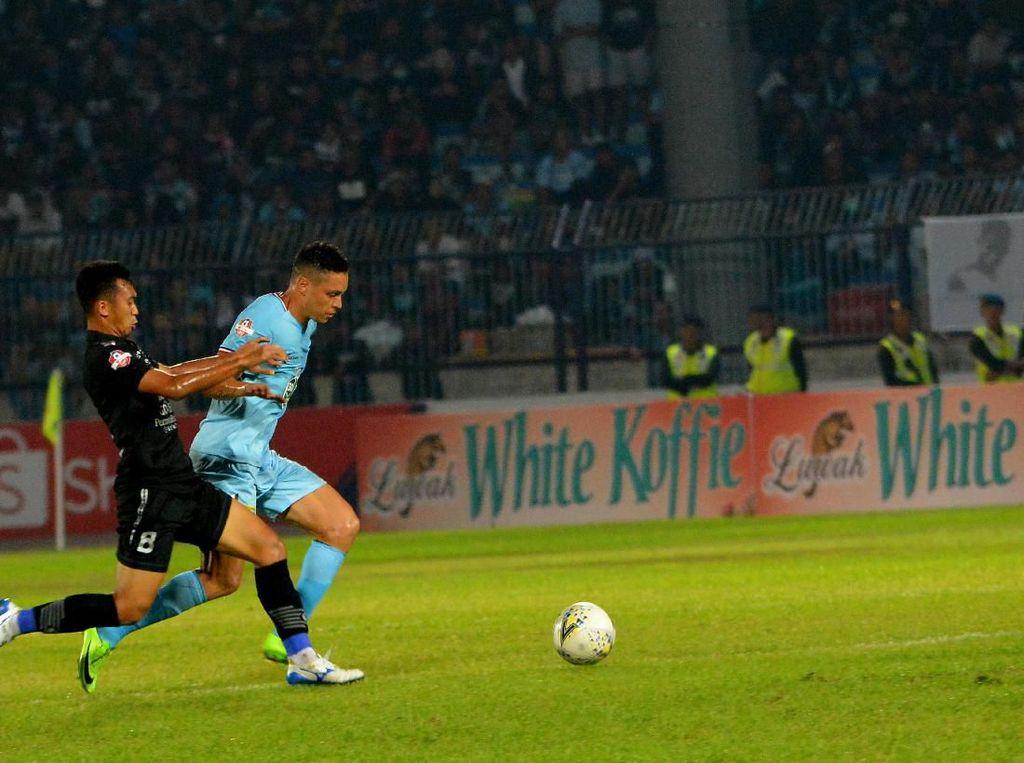 Abdul Aziz Tertantang Hentikan Tren Positif Borneo FC