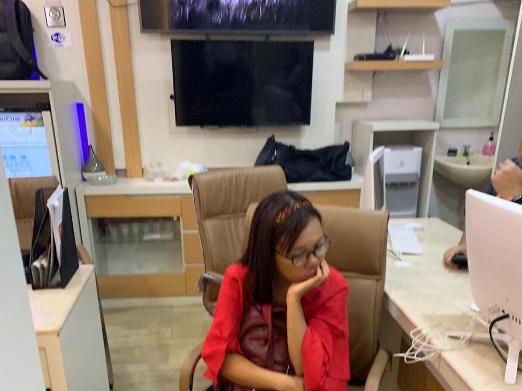 Bicara Ngelantur, Istri Pemilik Toko Batik Korban Pembunuhan Dibawa ke RSJ