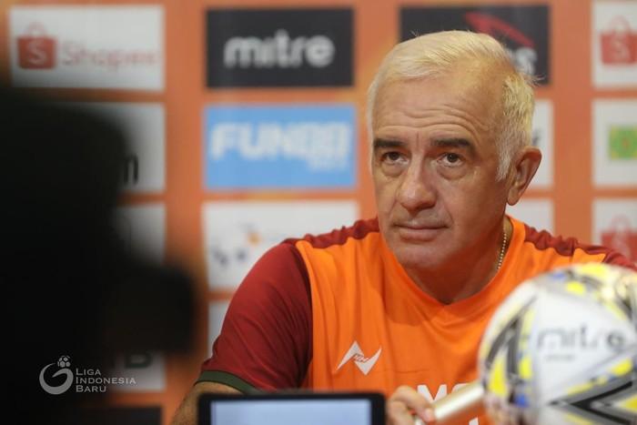 Roberto Carlos Mario Gomez, pelatih Borneo FC