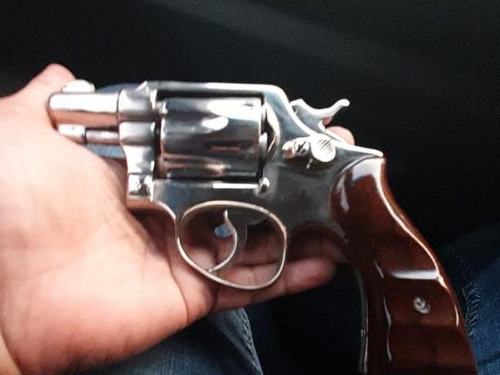 Polisi Dalami Perizinan Senpi Revolver Tersangka Narkoba Umar Kei