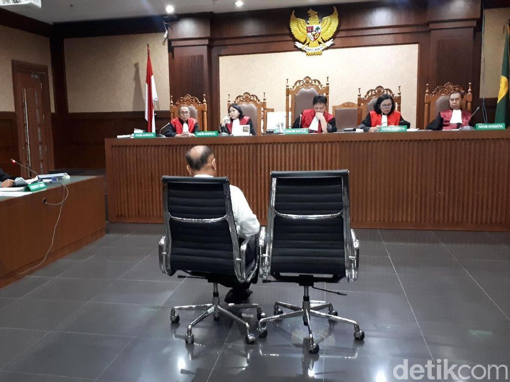 Markus Nari Didakwa Korupsi USD 1,4 Juta dari Proyek e-KTP