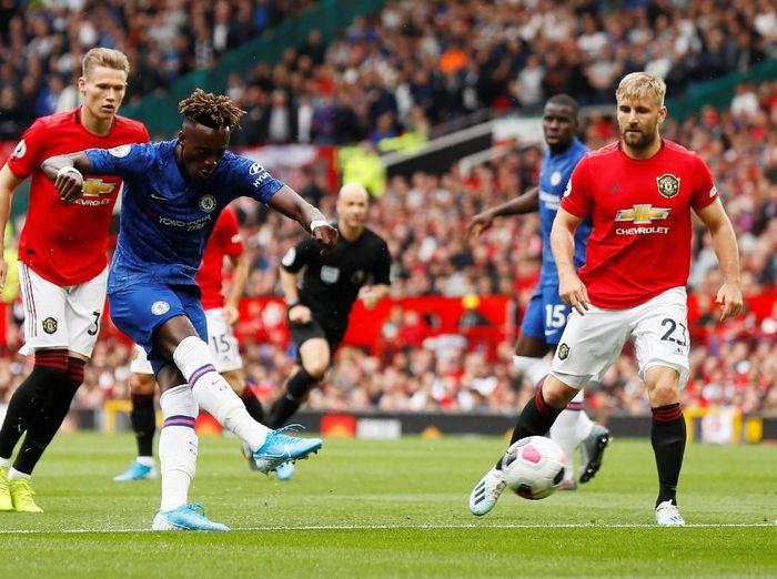 Pemain muda Chelsea, Tammy Abraham, mendapat kritik saat melawan Manchester United. (Foto: Jason Cairnduff/Action Images via Reuters)