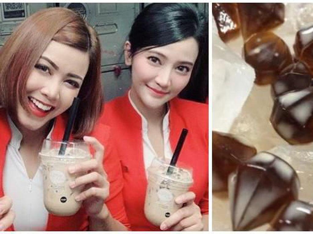 Asyik! Kini Penumpang Pesawat Bisa Minum Boba Milk Tea di Udara