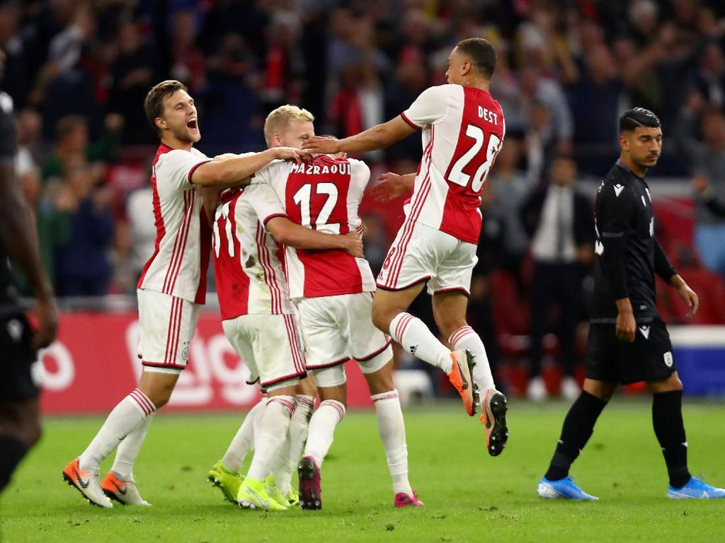 Ajax Lolos ke Playoff Liga Champions, Porto Tersingkir