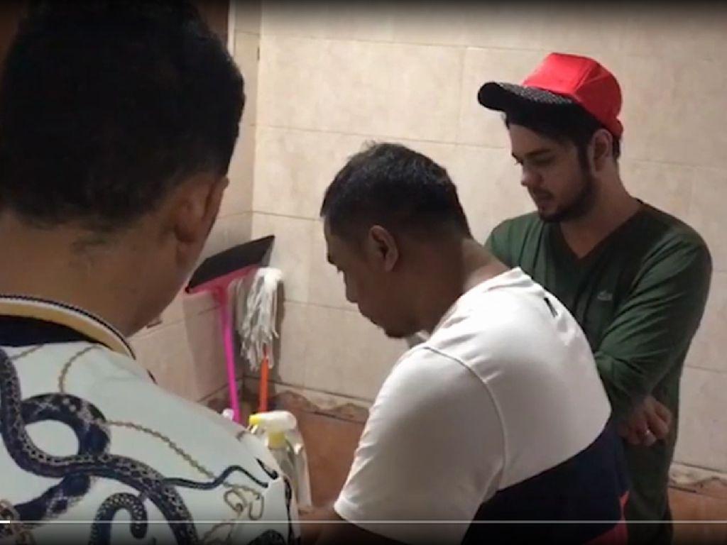 Toilet Jadi Saksi Bisu Penangkapan Rio Reifan
