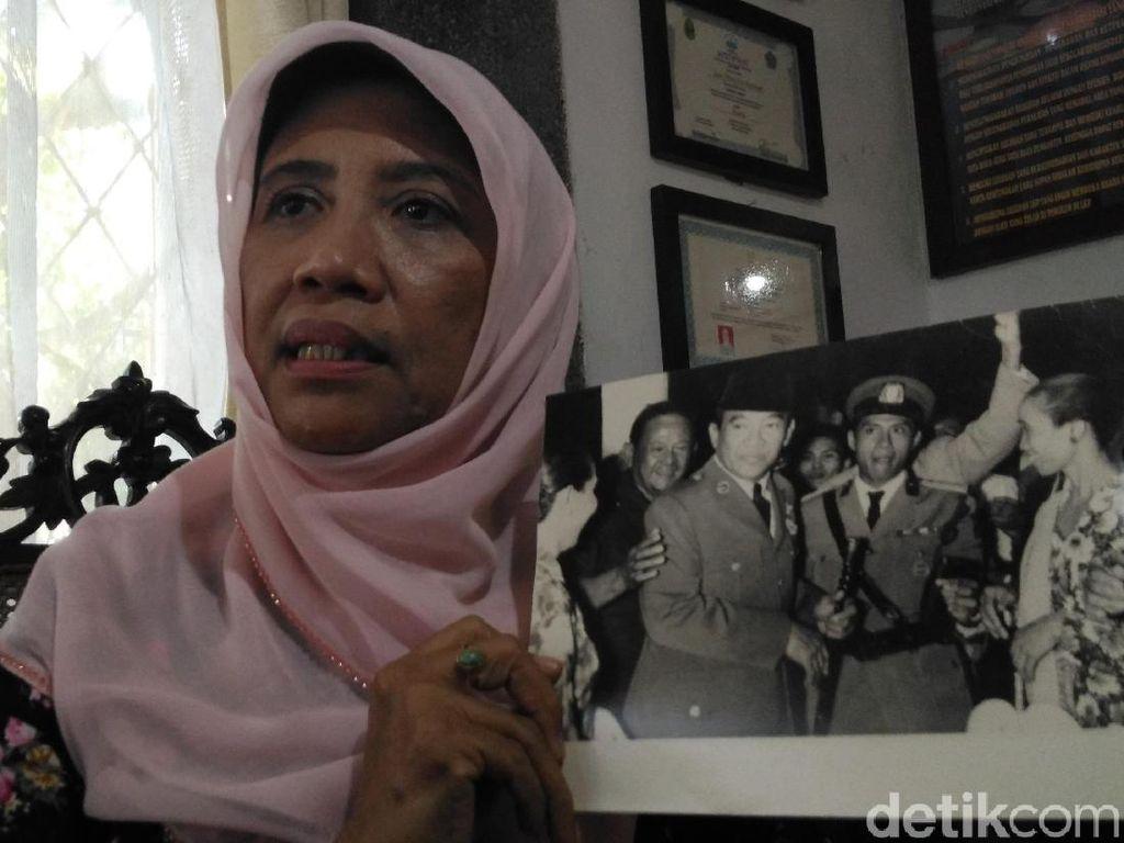 Olly Sastra, Wanita Pengibar Bendera Merah-Putih Pertama di Cirebon